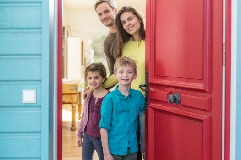 Begrüßen und Höfflichkeit für Kinder